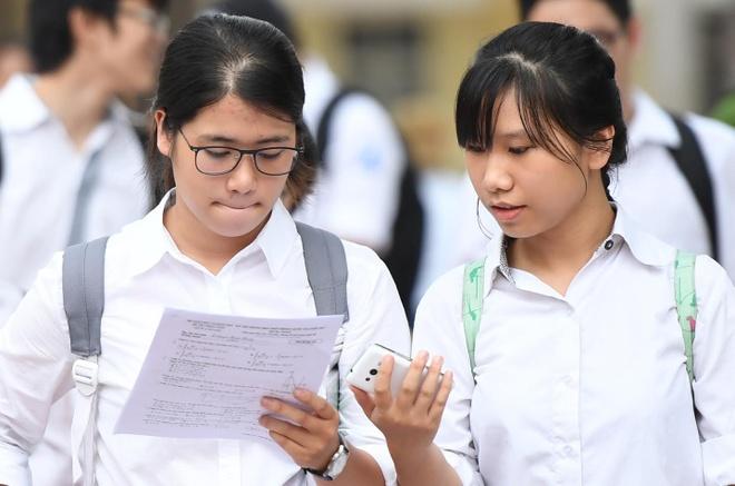 PGS.TS Nguyen Hoi Nghia: Nen tach thi tot nghiep THPT va dai hoc hinh anh