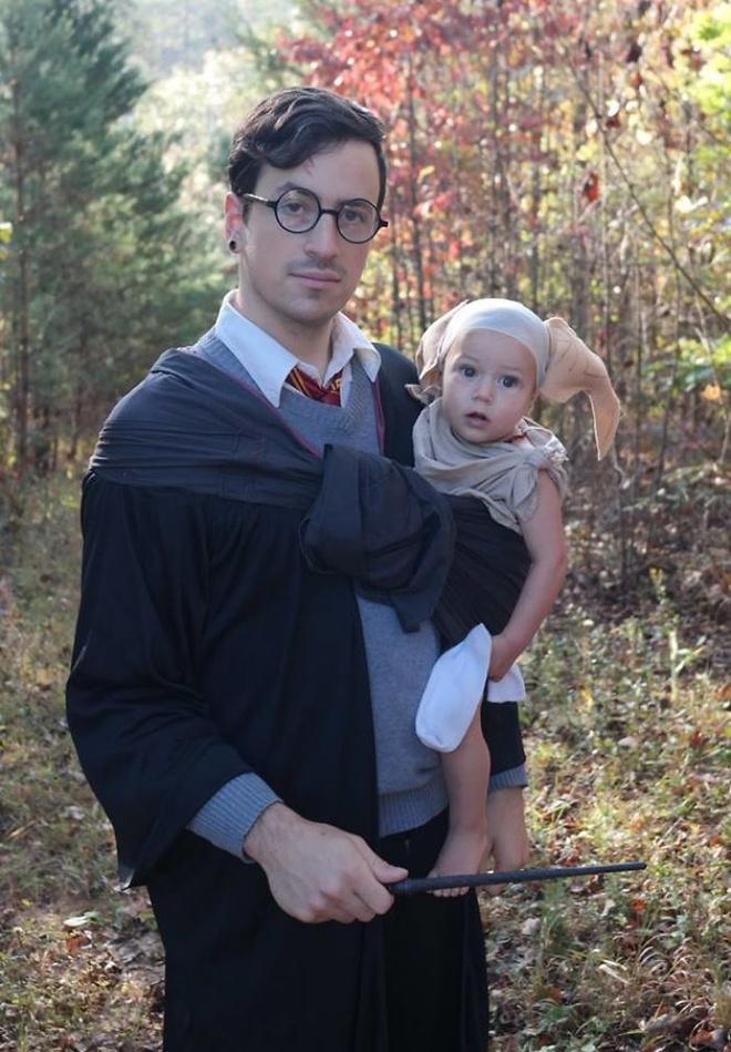 Loat trang phuc doc la mua Halloween cua cha me va be hinh anh 2
