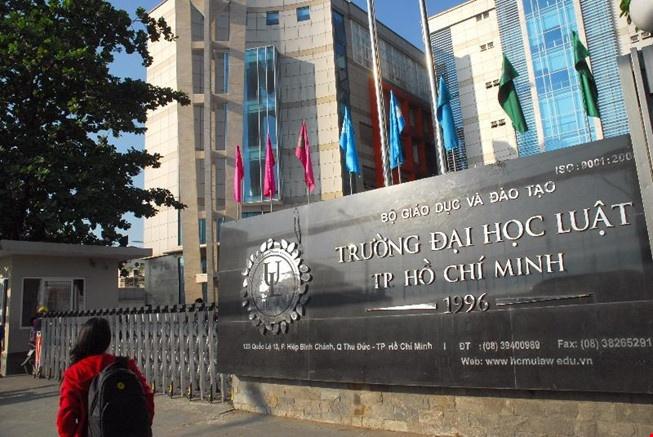 DH Luat TP.HCM giam ty trong bai thi nang luc hinh anh