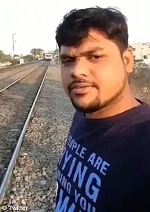 selfie gan duong tau anh 1