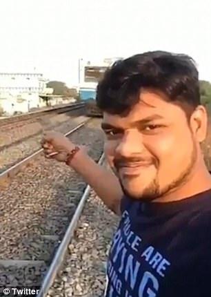 selfie gan duong tau anh 2