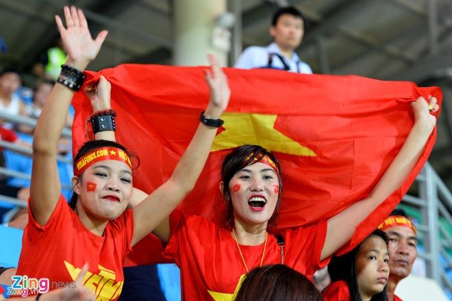 U23 Viet Nam danh thuc khao khat tro ve cua du hoc sinh Viet hinh anh 2