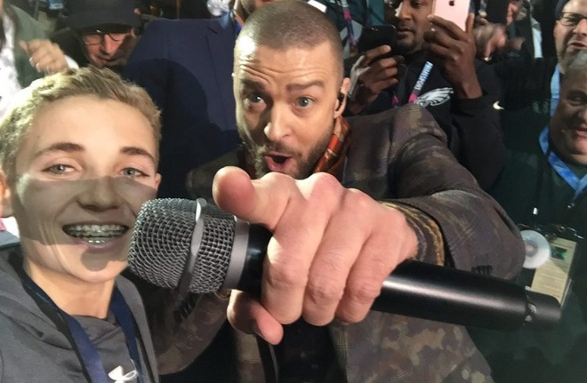 Tro thanh hien tuong mang nho buc anh selfie voi Justin Timberlake hinh anh 1