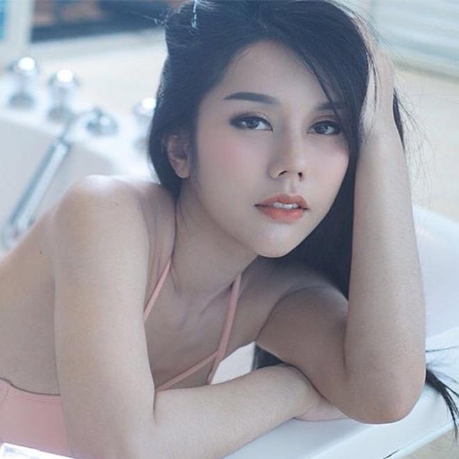 Co gai Thai Lan phu me ban banh ngoai pho duoc khen xinh dep hinh anh 6