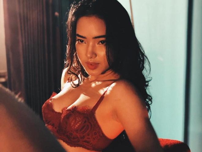 Hot girl Viet nao co vong mot nay no bat thuong? hinh anh