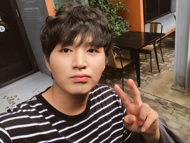 Hot boy Woossi cong khai xin loi sau vu xuc pham nhom T-ara hinh anh