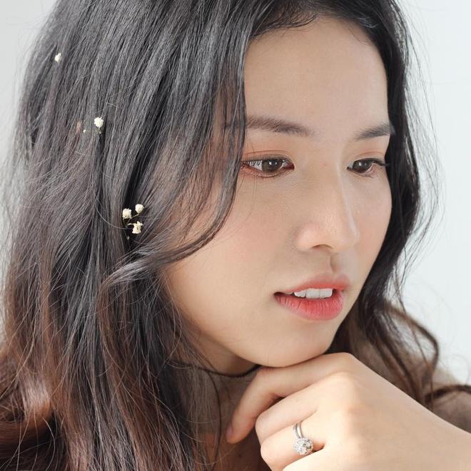 Em ho Huong Giang Idol cao 1,69 m gioi tieng Anh, la giang vien DH hinh anh 2