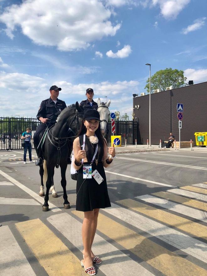 A khoi Ngoc Nu rang ro sang Nga xem World Cup, co vu doi Brazil hinh anh 5
