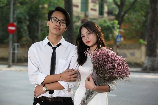 4 nu sinh Phan Dinh Phung 'gay thuong nho' trong ta ao dai trang hinh anh 2