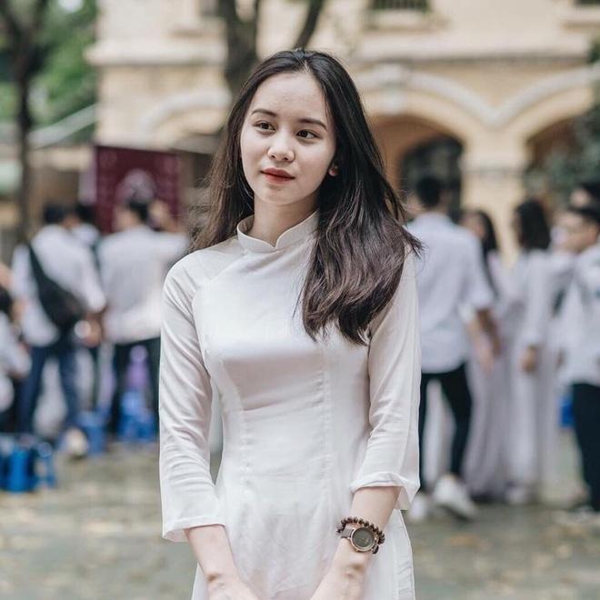 4 nu sinh Phan Dinh Phung 'gay thuong nho' trong ta ao dai trang hinh anh 8