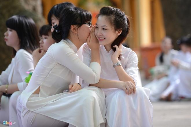 4 nu sinh Phan Dinh Phung 'gay thuong nho' trong ta ao dai trang hinh anh 12