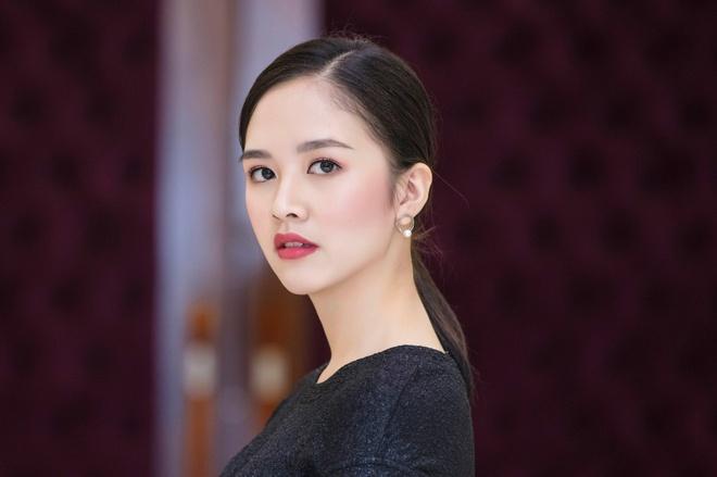 Hot girl 'Banh duc co xuong' Ha Anh lay chong o tuoi 21 hinh anh 11