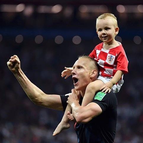 Khoanh khac an mung de thuong cua hau ve tuyen Croatia va con trai hinh anh 13