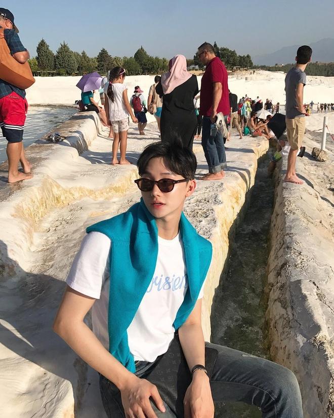 Hot boy Han gay chu y mot thoi vua khoe anh du lich o Phu Quoc hinh anh 4