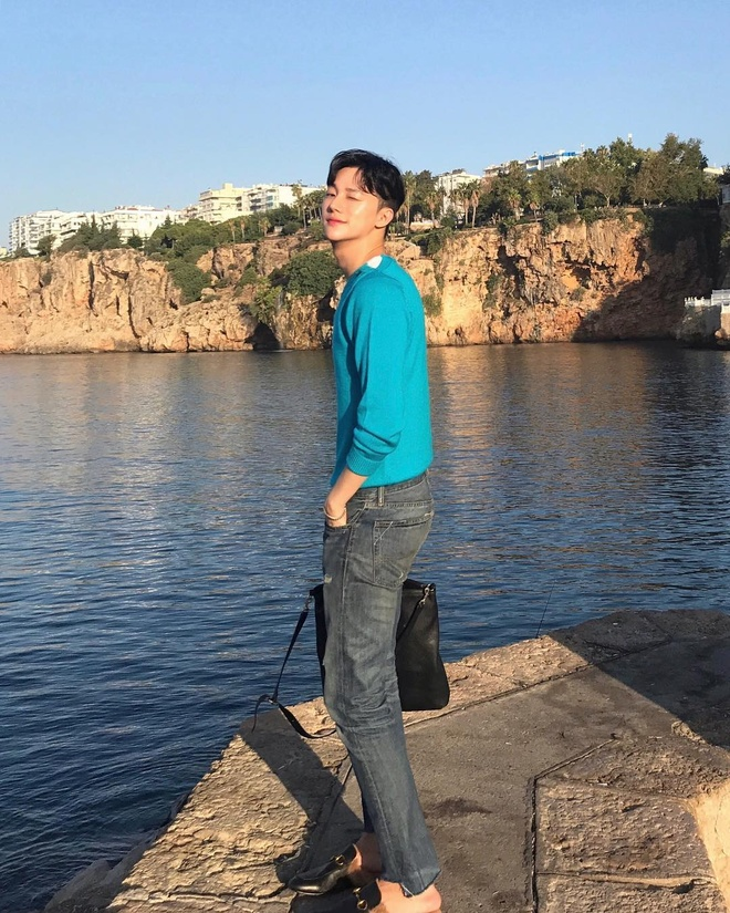 Hot boy Han gay chu y mot thoi vua khoe anh du lich o Phu Quoc hinh anh 5