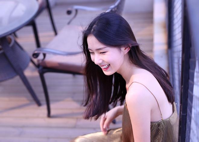 Hot girl moi noi o Trung Quoc hut 3 trieu fan tren mang hinh anh 1