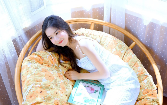 Hot girl moi noi o Trung Quoc hut 3 trieu fan tren mang hinh anh 2