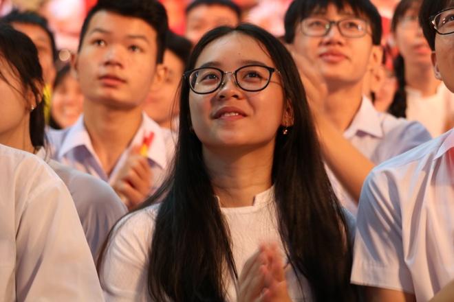 Hoang Cuong tro thanh tan quan quan 'Duong len dinh Olympia' nam 18 hinh anh 73