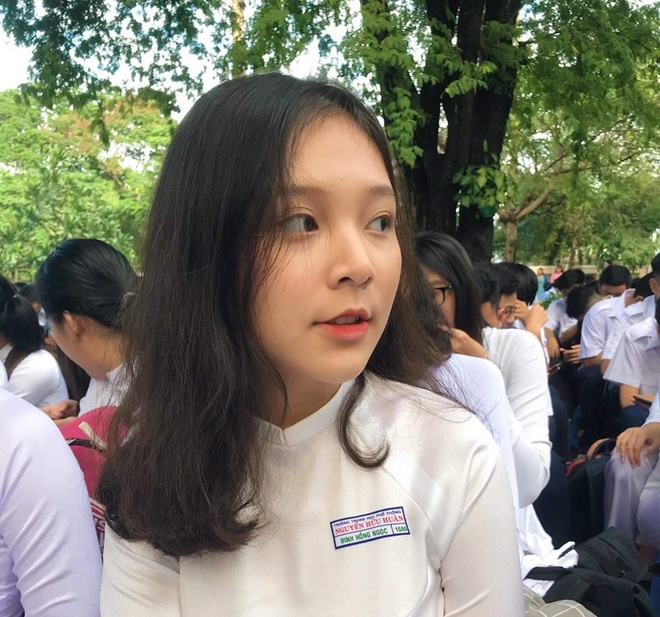 10X Sai Gon noi bat giua san truong ngay khai giang hinh anh 1