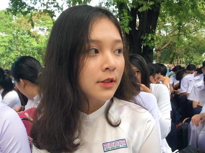 10X Sai Gon noi bat giua san truong ngay khai giang hinh anh