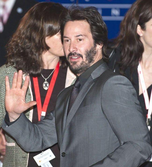 4 ly do khien Keanu Reeves duoc goi la ngoi sao tu te nhat hanh tinh hinh anh 2