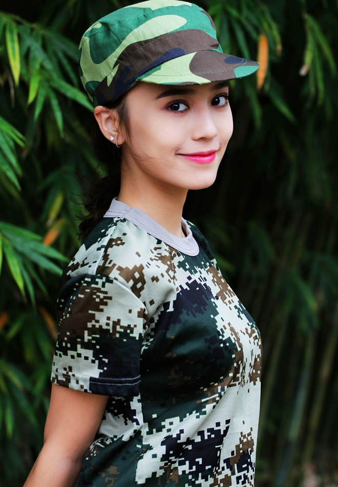 Hot girl Tan Cuong 10X moi noi, duoc khen giong Dich Le Nhiet Ba hinh anh 3