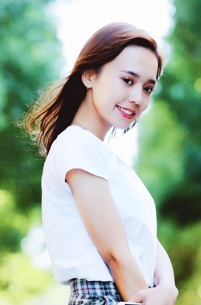 Hot girl Tan Cuong 10X moi noi, duoc khen giong Dich Le Nhiet Ba hinh anh 6