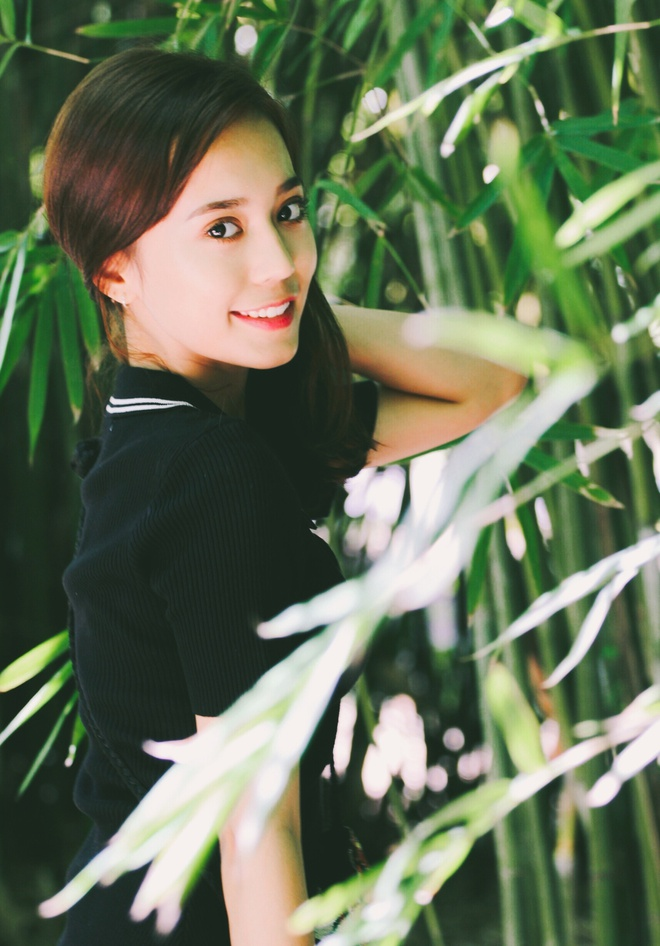Hot girl Tan Cuong 10X moi noi, duoc khen giong Dich Le Nhiet Ba hinh anh 7