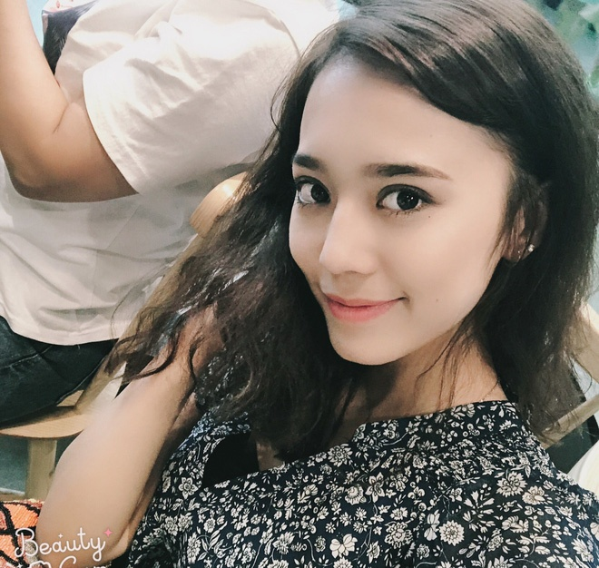 Hot girl Tan Cuong 10X moi noi, duoc khen giong Dich Le Nhiet Ba hinh anh 11