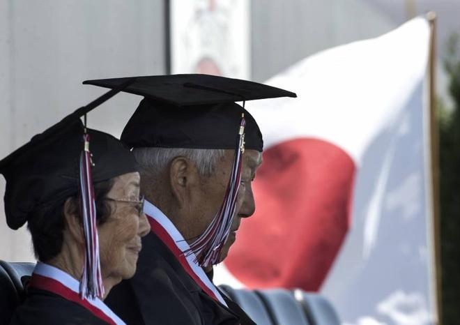 Đại học Nhật Bản miễn học phí cho người trên 100 tuổi