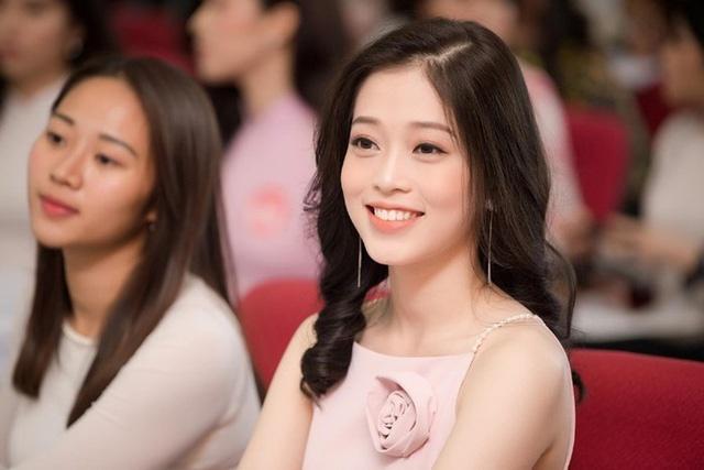 Bui Phuong Nga - tu co be co mai toc cut lun den a hau 1. Tham gia Hoa hậu  ...