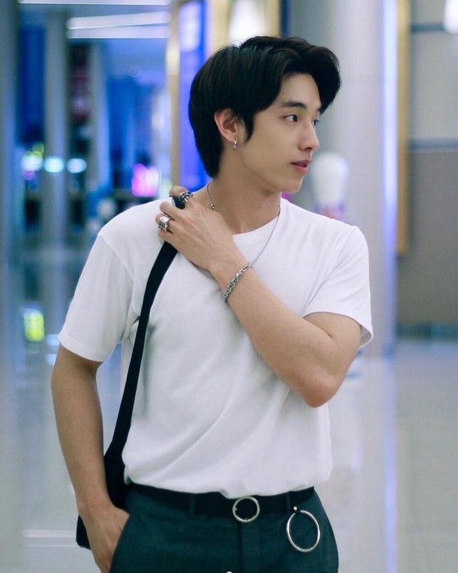 Hot boy Thai Lan body 6 mui, mat mot mi dien trai nhu sao Han hinh anh 4