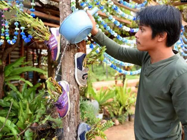 Ngoi truong ky la o Campuchia thu hoc phi bang rac thai hinh anh 5