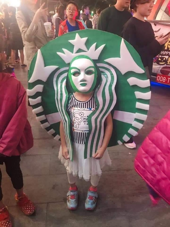 Cac em be chiu choi va man hoa trang 'dinh nhat' mua Halloween hinh anh 11
