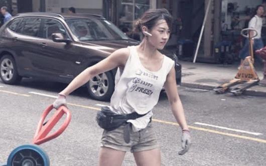 'Hot girl boc vac' Hong Kong: Da lam nghe 10 nam, tu choi vao showbiz hinh anh