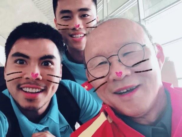 Park Hang-seo: 'Ong bo' nghiem khac nhung day dang yeu cua DT Viet Nam hinh anh 9