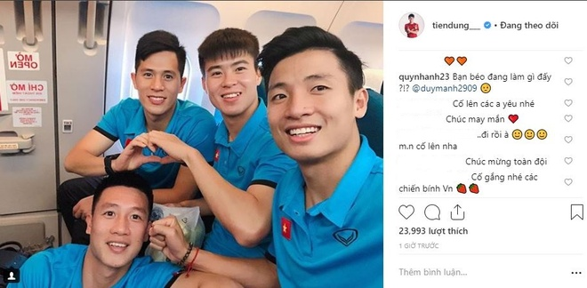 Cau thu tuyen Viet Nam hao hung check-in sang Malaysia da chung ket hinh anh 4