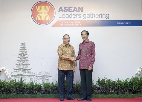 Thu tuong de nghi IMF, WB tu van canh bao rui ro kinh te cho ASEAN hinh anh 1
