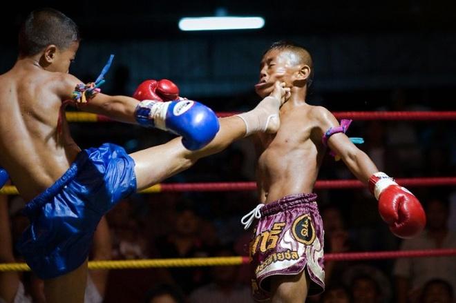 Vo si Muay Thai 13 tuoi chet tren san dau, cong dong mang phan no hinh anh