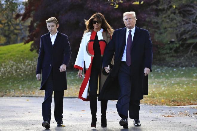 TT Trump bat dau ky nghi le Ta on xa hoa, gioi doanh nhan vay quanh hinh anh