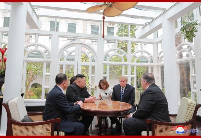 TT Trump, ong Kim trao doi gi tai thuong dinh o Ha Noi? hinh anh 1