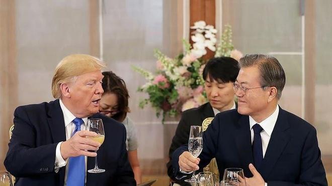 Tong thong Trump tham Han Quoc anh 1