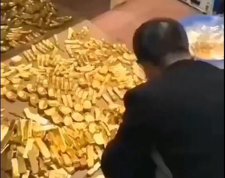 Cựu quan chức Trung Quốc giấu 13,5 tấn vàng thỏi trong hầm bí mật