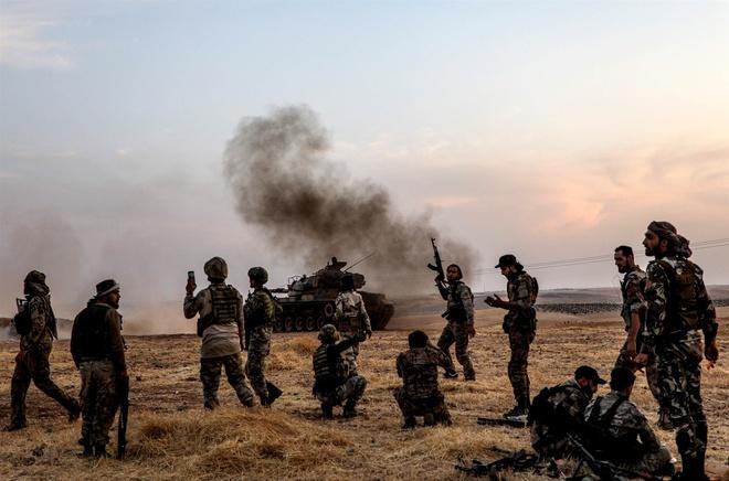 Tong thong Trump: 'Nguoi Kurd chang phai thien than' hinh anh 1