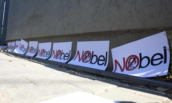 2 thanh vien uy ban giam sat Nobel Van hoc tu chuc vi 'mat kien nhan' hinh anh 1 nobel_van_hoc_getty.jpg