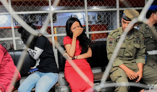 Indonesia dot kich nha nghi, giao huan nhieu cap doi dip le tinh nhan hinh anh 1 indo_valentine_afp.jpg