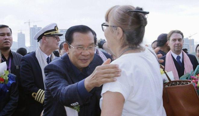 Truy tim hanh khach du thuyen cap cang Campuchia sau ca nhiem virus hinh anh 1 Hun_Sen.jpg