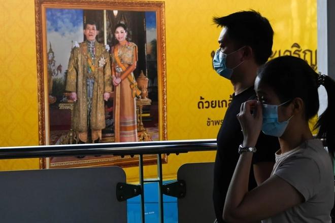 Nha vua di Duc giua dich benh, dan Thai to thai do chi trich hiem thay hinh anh 1 thailand_afp_1.jpg