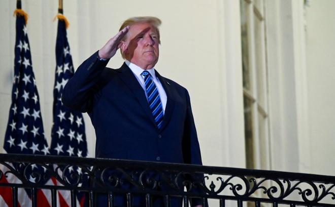 Trump mac Covid-19 anh 1