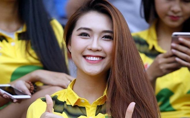 Fan nu Song Lam Nghe An du thi Hoa hau Sac dep Chau A 2017 hinh anh